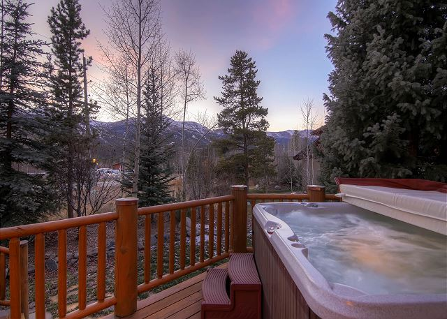 Clare's in Town Hot Tub with Views!