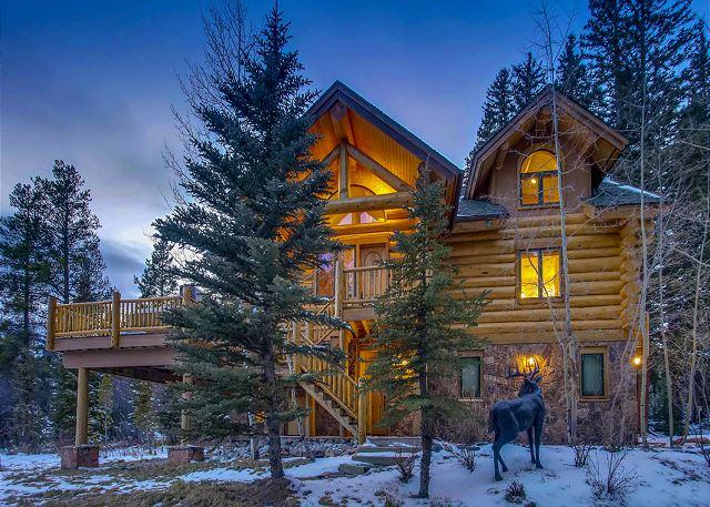 Clifton Lodge, sits directly on the 4 O'clock Ski Run