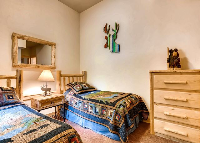Elk Room Suite