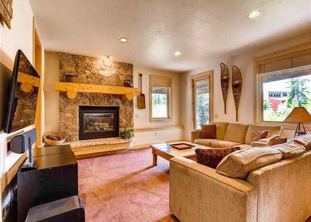 with TV, gas fireplace, wet bar (not shown)