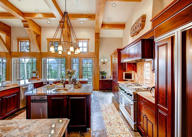 Beautiful, Gourmet Kitchen with top of the line appliances