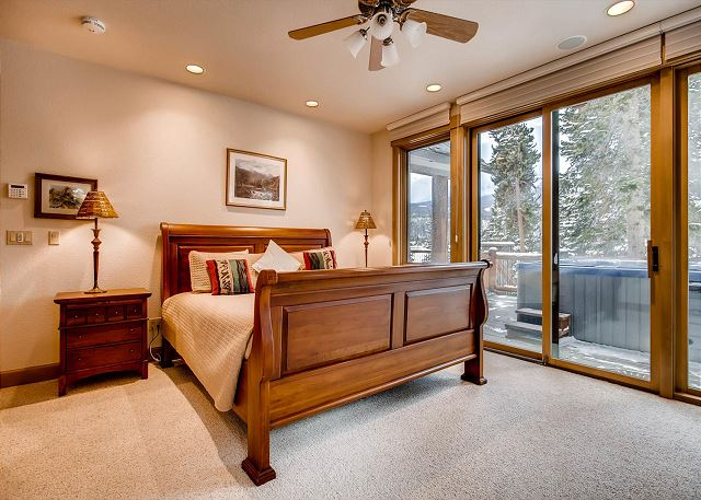 Grizzly Bear King Suite