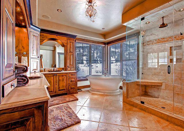 Ten Mile King Suite Ensuite Bath