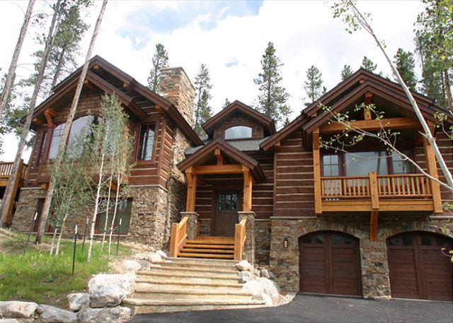 Rustic Timber Lodge Exterior