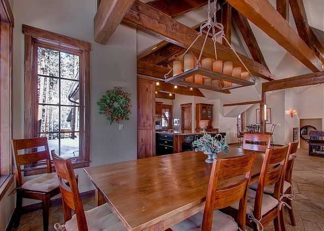 with seating for 8 at table (additional seating at kitchen island and breakfast nook)