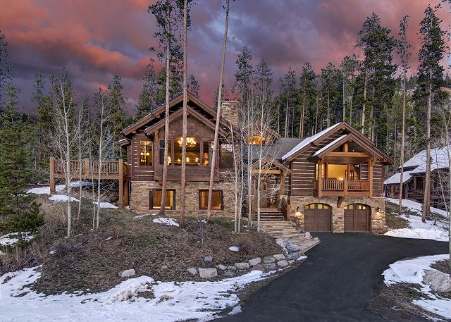 - Located in the exclusive Sunbeam Estates close to Main Street, Carter Park and the Ice Rink!