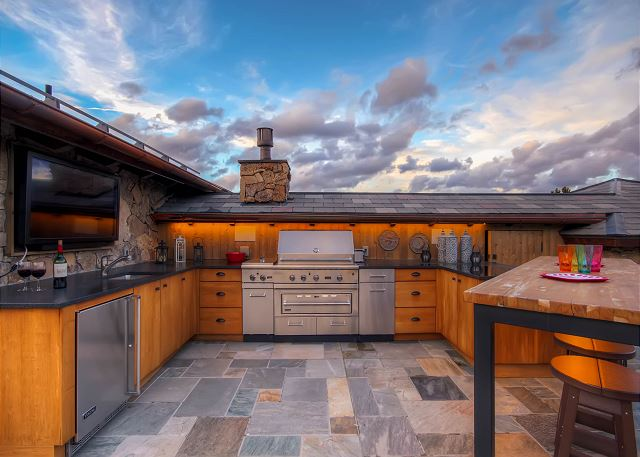 Chateau of Breckenridge Ultimate Outdoor Living Space!