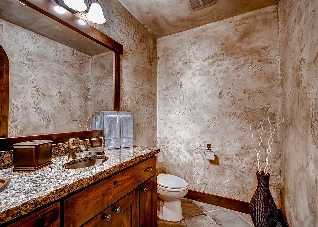 Lower Level Powder Bath