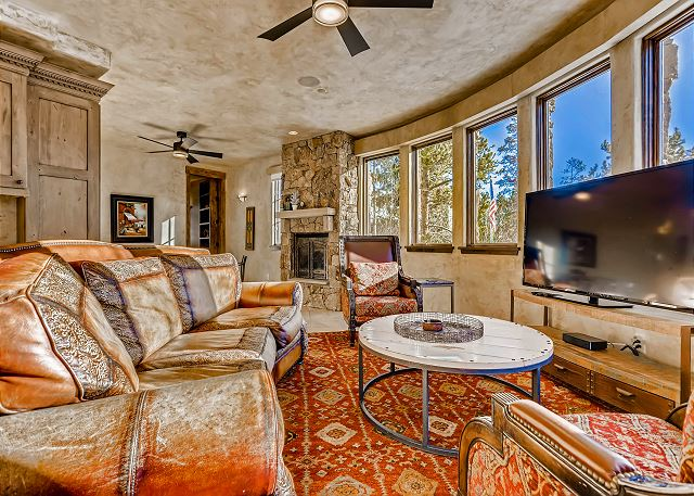 with TV and mountain views!