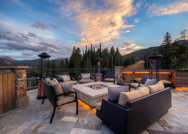 Spectacular Rooftop Patio with Gas Fire pit and Views!