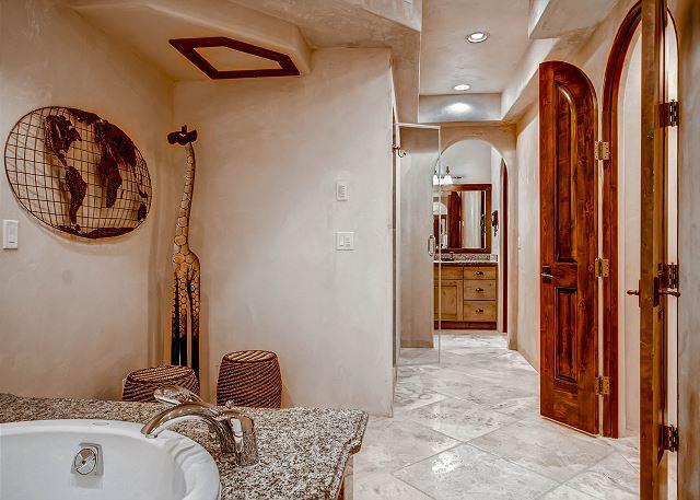 Snowflake Salerno Suite Ensuite Bath