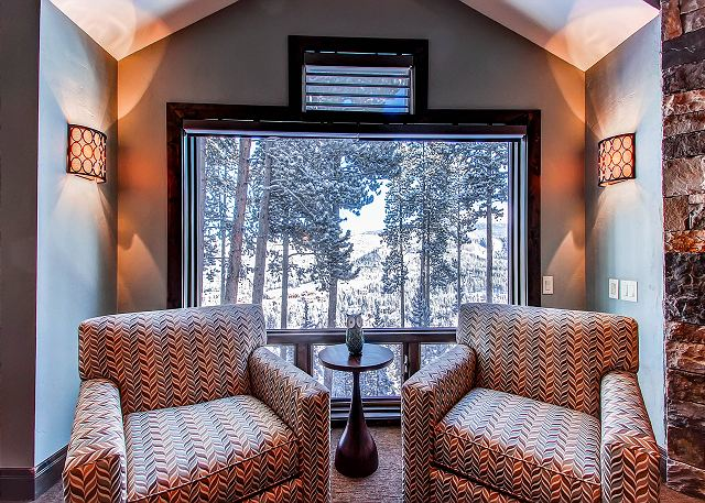 Star of the Mountain King Suite Sitting Area
