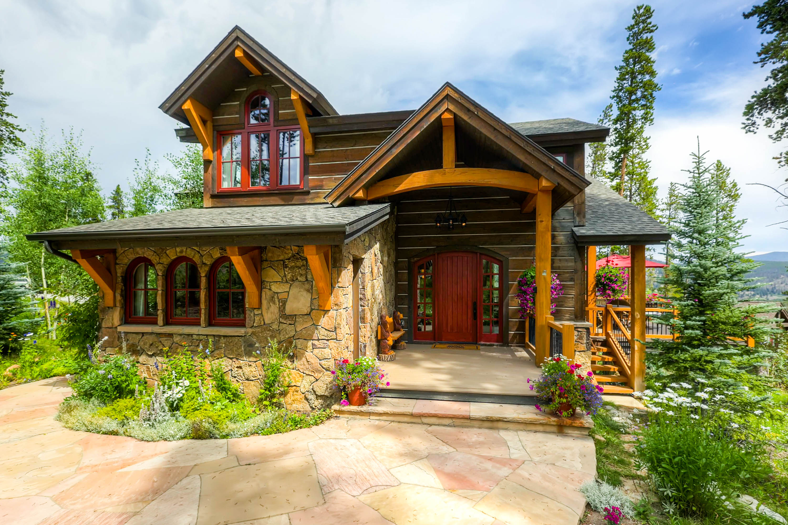 Welcome to Cypress Mountain Chalet