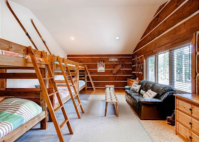 Ski Bum Bunk – sleeps 6-12 in 3 sets of full size bunks (6 full or double size beds), shared bath