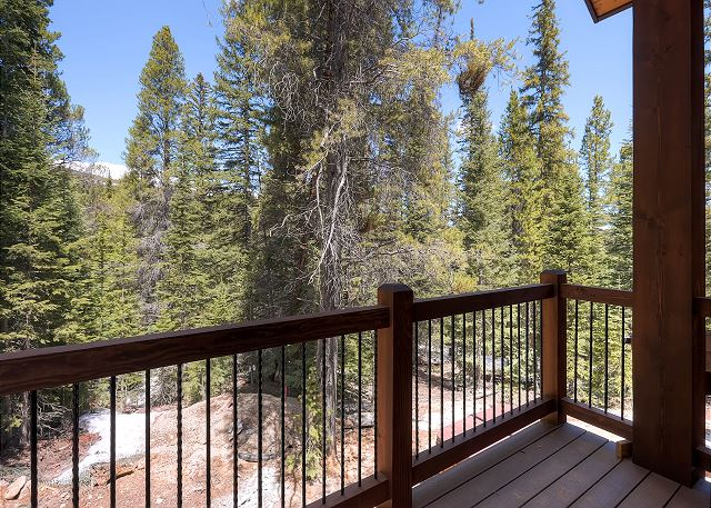 Deck off of Dining Area overlooking Nordic Ski Trails