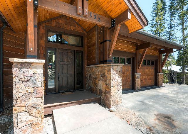 Exterior - Rocky Mountain Lodge