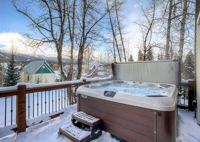 Hot Tub with great views!