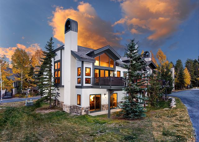 Welcome to One Breck Place Imperial #25