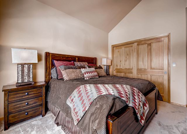 Imperial King Bedroom – sleeps 2 in one king bed