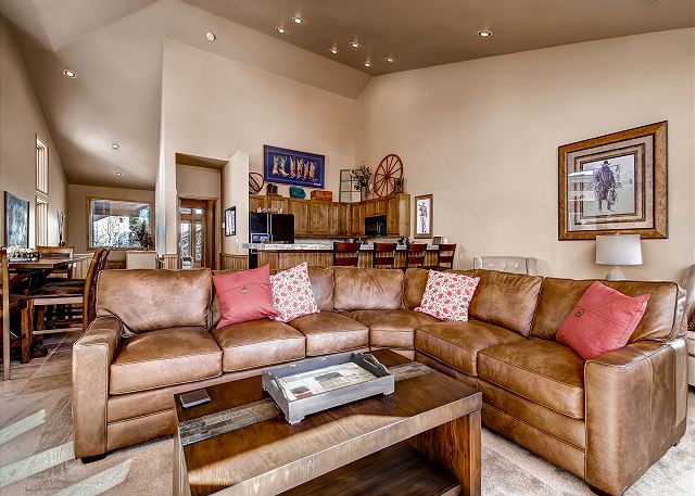 Big comfy sectional couch!