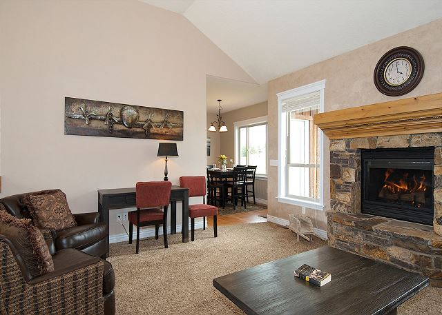 Teton Harmony ~ cozy up by the gorgeous fireplace!