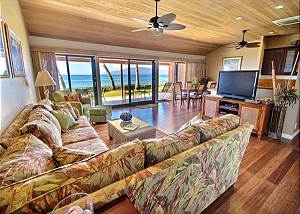 176-2  Relaxing Ocean Front Location