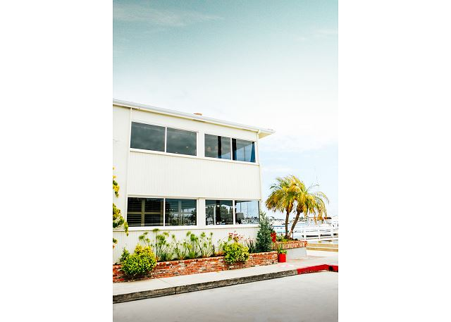 Exterior of 1400 South Bayfront