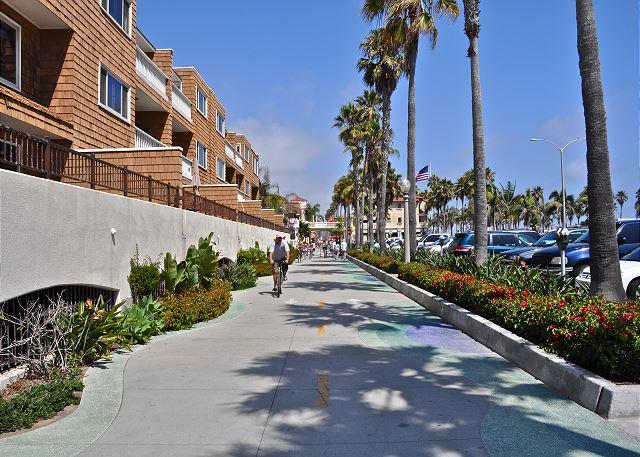 Access to the bike path on Balboa Peninsula