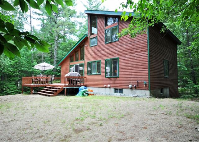 3BR White Mountains Lodge near Skiing w/Fireplace,Wifi,Game Room-Dogs Welcome!