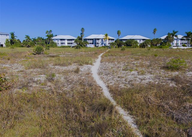 Exceptional villa waiting for you to be on a Gulf Shore Vacation!  B3613A