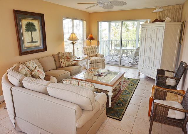 Comfortable bayside villa with easy dock access, B5222B