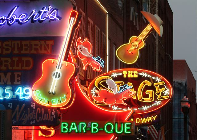 Walking Distance to Nashville's Night Life on Lower Broadway
