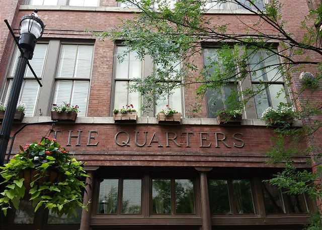 The Quarters Downtown Nashville Vacation Rentals Playlist Proper