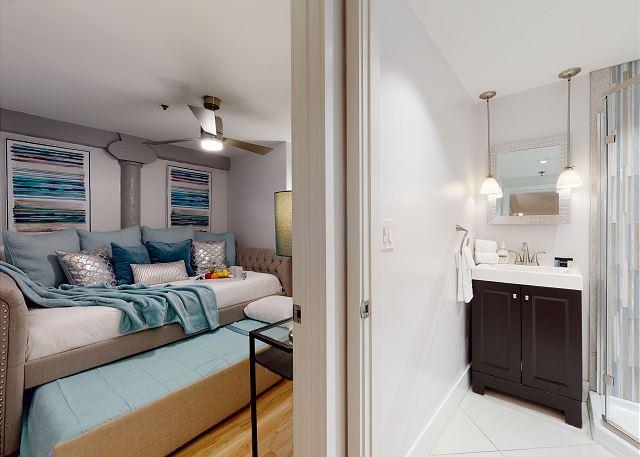 2nd Bedroom has Queen Bed + Twin Bed