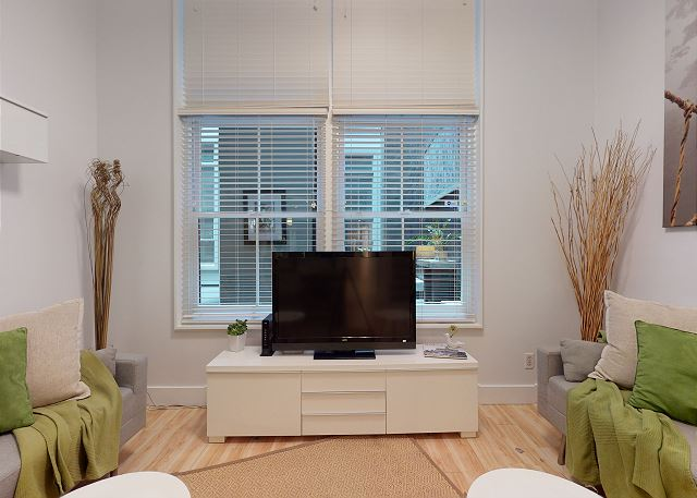TV with Cable and Wifi Included