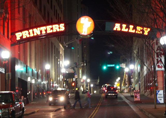 Printers Alley is around the Corner