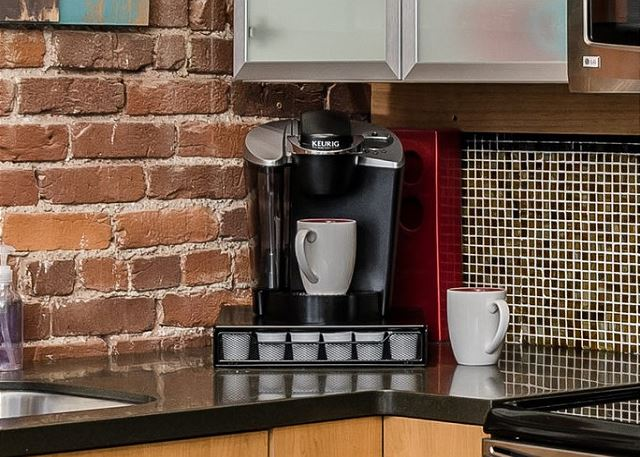 Keurig Coffee Maker (Starter Pods Included)
