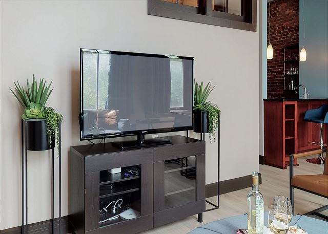TVs with Cable + Internet
