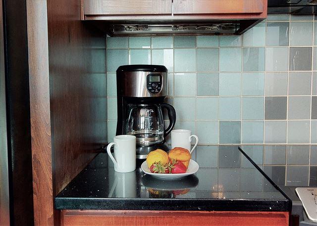 12 Cup, Drip Coffee Maker