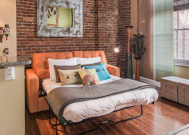 Comfy Sleeper Sofa (Queen)
