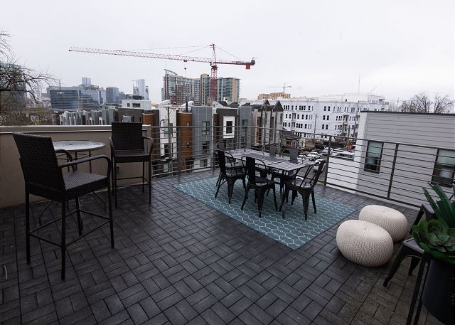 Rooftop Deck with Plenty of Space!