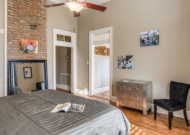 With the high ceilings and open access the Cash Room is sure to please!