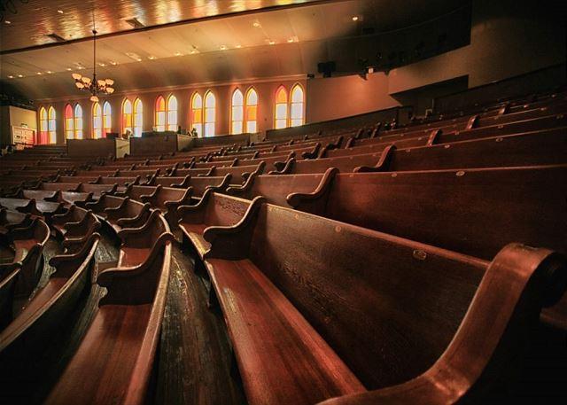 Walk to the historic Ryman Auditorium