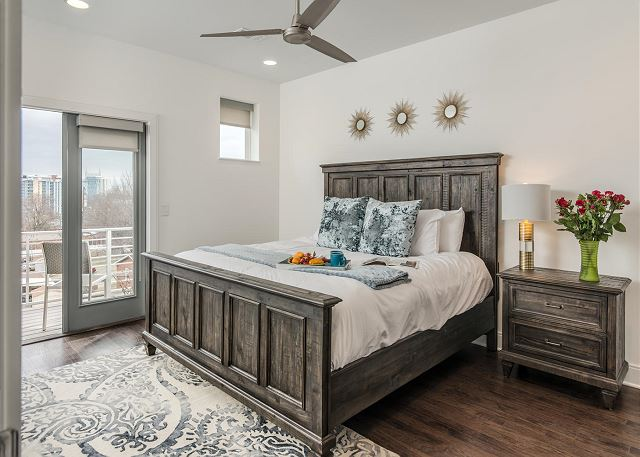 Master Suite w King Bed and Private Balcony!