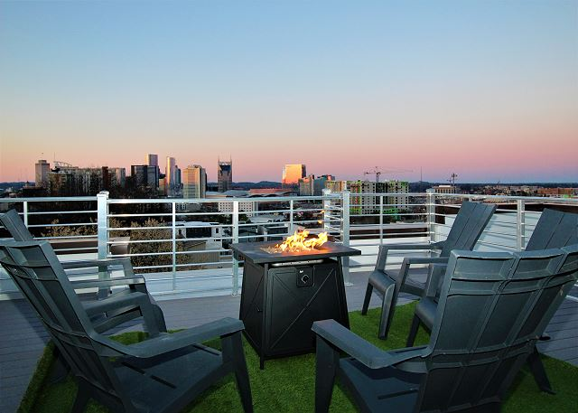 What a Perfect Space to Watch a Sunset in Music City, USA!