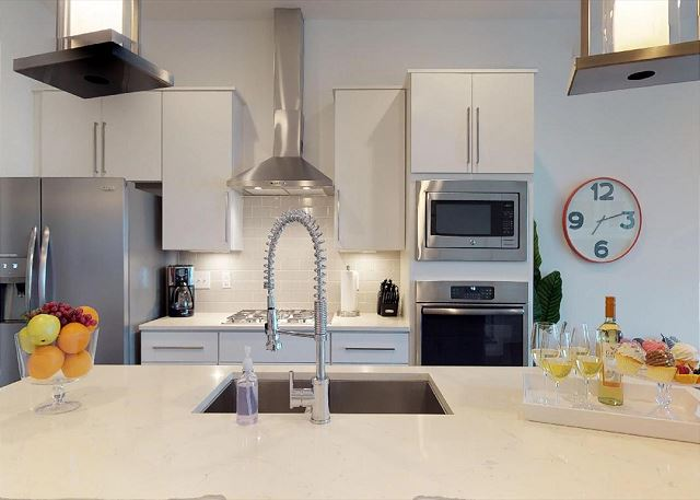 Gorgeous, Well-Appointed Kitchen