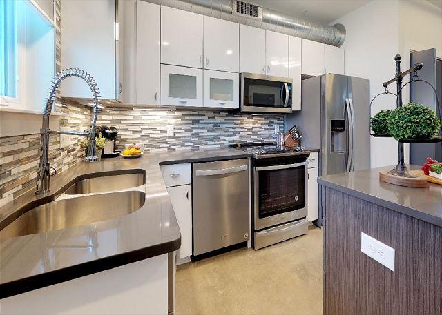 Clean & Modern Kitchen