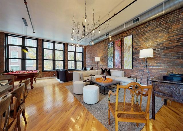Welcome to Downtown Luxury Loft