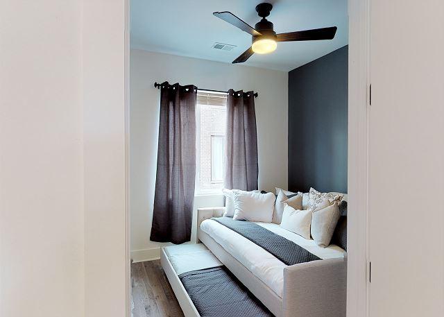 Bedroom2: Queen Bed + Twin Bed (trundle)