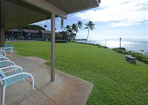 Large 2 Bed/2Bath End Unit Oceanfront #101